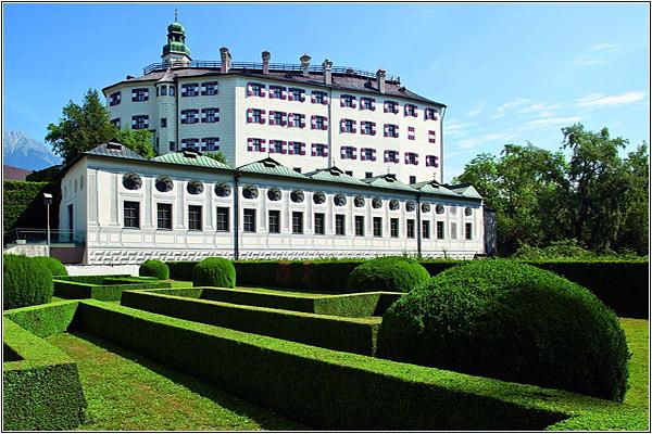 Замок Амбрас в Австрии