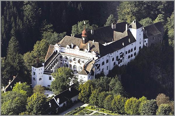 Замок Герберштейн в Австрии