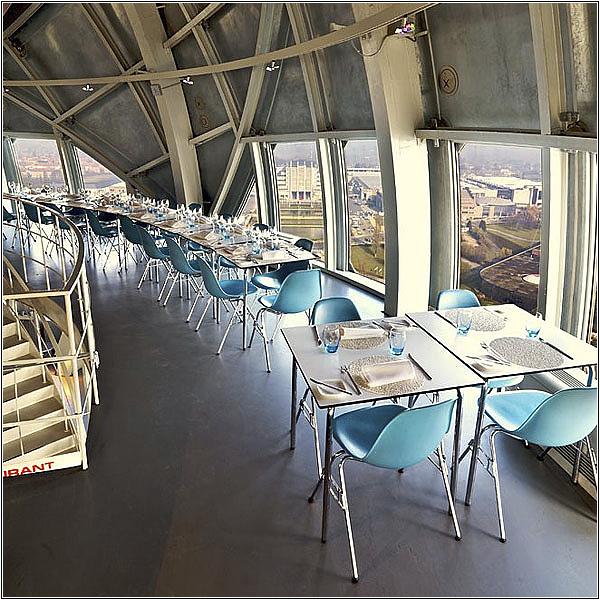 Ресторан в верхней сфере Атомиума