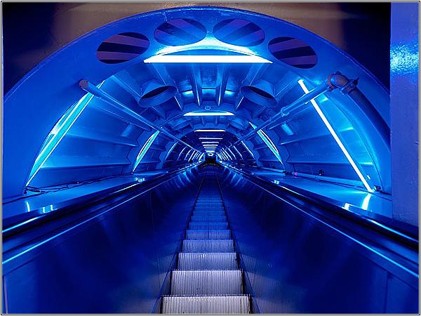 Соединительная труба-коридор Атомиума