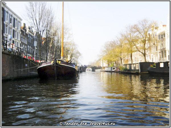 Амстердам. Лодка.