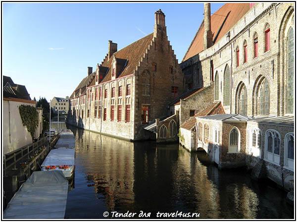 Бельгия. Брюгге. Дома на воде.