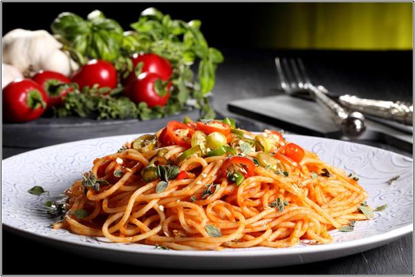 Паста — традиционное блюдо итальянской национальной кухни