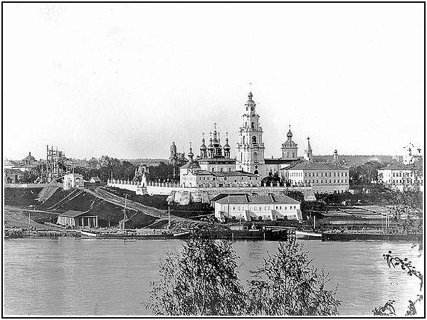 Воссоздание кремля в Костроме