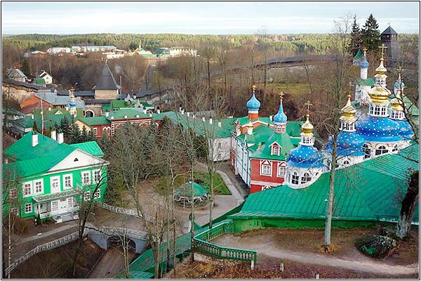 7 чудес России: Свято-Успенский Псковско-Печерский мужской монастырь (Печоры)