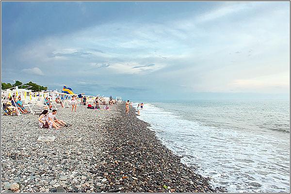 Пляж Novotel Resort Krasnaya Polyana Sochi