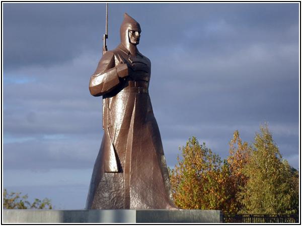 Памятник, установленный в ознаменование пятидесятилетия освобождения Ставрополя от белогвардейцев