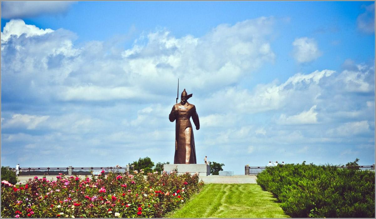 Памятник буденовцу в Ставрополе