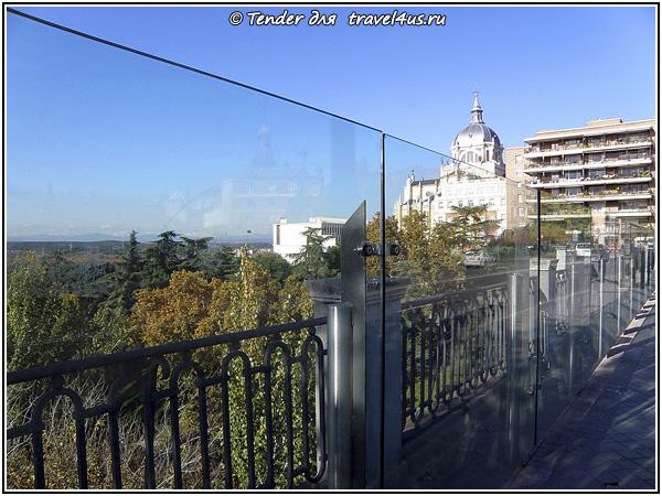 Один из мостов Мадрида