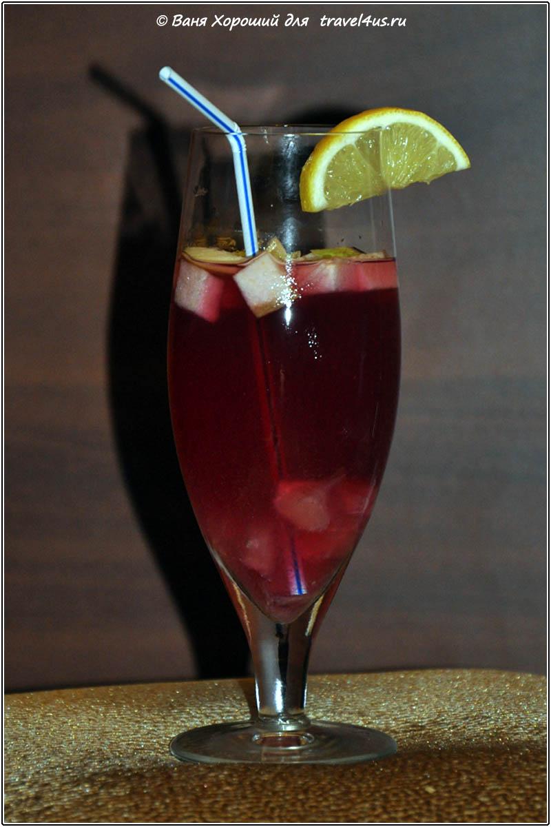 Сангрия (sangria) — традиционный испанский коктейль