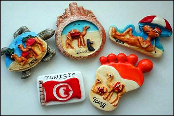 Магнит на холодильник из Туниса