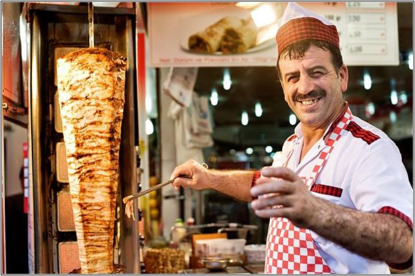 Попробуйте донер кебаб в Стамбуле