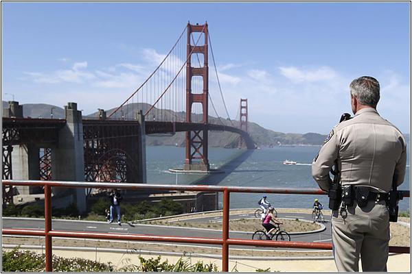 Патрульная служба на мосту Золотые Ворота