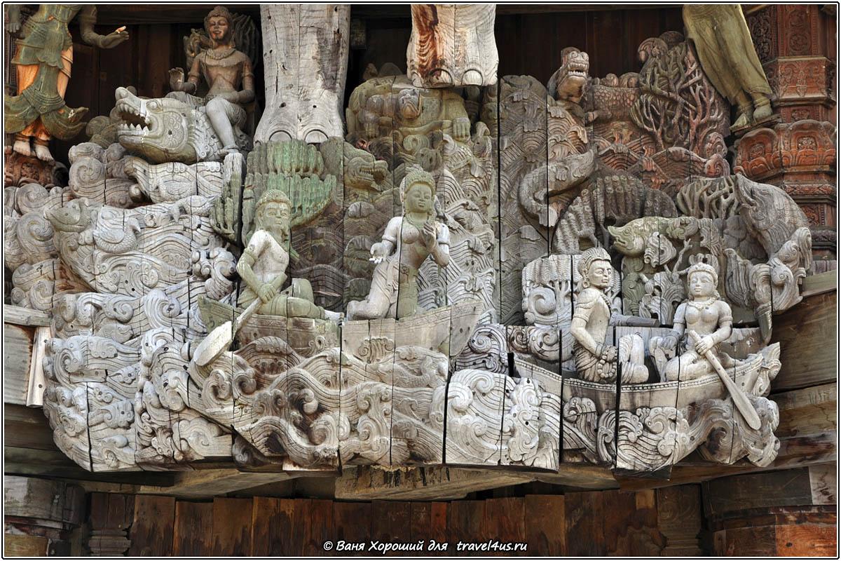 Барельеф на стене Храма Истины