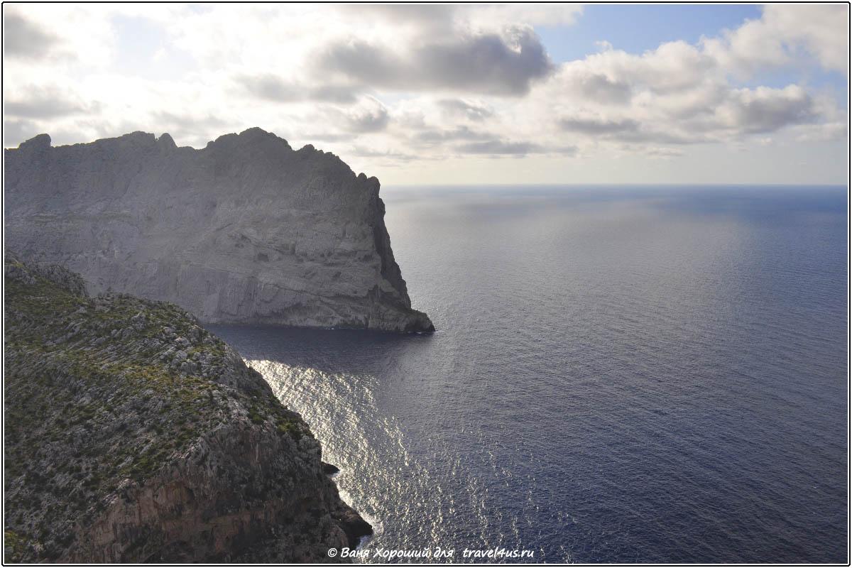 Майорка. Скалы и море