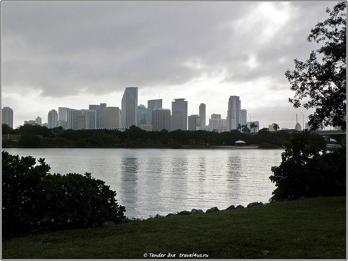Вид на Майами со стороны Майами-Бич