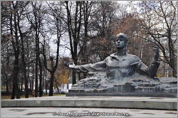 Пускай я сдохну, только... Нет, не ставьте памятник в Рязани!